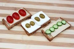Produtos láteos para a refeição tradicional de Shavuot Fotos de Stock Royalty Free