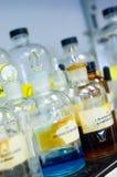 Produtos químicos e reagentes do laboratório Fotografia de Stock Royalty Free