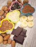 Produtos que contêm o magnésio Alimento saudável Foto de Stock Royalty Free