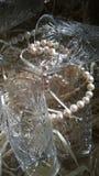 produtos vidreiros de cristal com grânulos da pérola imagens de stock