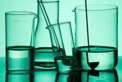 Produtos vidreiros de laboratório Assorted fotografia de stock