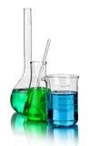 Produtos vidreiros de laboratório com reflexões Imagens de Stock