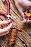 Produttore dei gioielli delle donne Immagini Stock