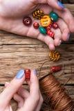 Produttore dei gioielli delle donne Immagine Stock Libera da Diritti