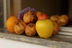 Produzido e frutos Fotos de Stock Royalty Free