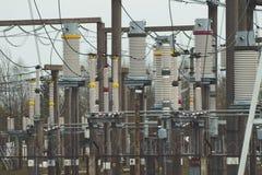 Produzione ad alta tensione di energia elettrica e sottostazione elettrica Fotografia Stock