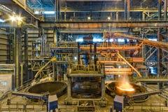 Produzione d'acciaio nella pianta metallurgica Immagini Stock