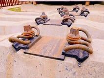 Produzione delle traversine Colata ed assemblea concrete Nuovi legami ferroviari concreti immagazzinati Fotografia Stock Libera da Diritti