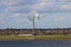 Produzione di energia verde del mulino a vento Fotografie Stock