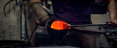 Produzione di vetro tradizionale in Murano, Italia immagine stock libera da diritti