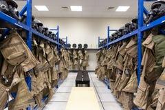 Proef de uniformenkleedkamer van vechtersvliegtuigen stock afbeeldingen