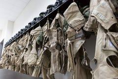 Proef de uniformenkleedkamer van vechtersvliegtuigen stock foto