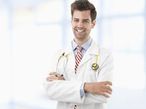Profesional de la atención sanitaria que cuida Imagen de archivo libre de regalías