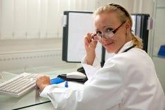 Profesional médico femenino Fotografía de archivo libre de regalías
