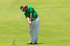 Profesional Miguel Angel Jimenez Swinging del golf Imagen de archivo libre de regalías