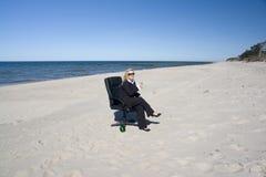 profesjonalna na plaży się odprężyć Zdjęcie Stock