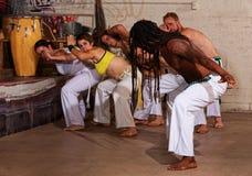 Profesor Leading Group de Capoeira fotografía de archivo