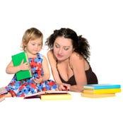 Professeur avec la petite fille images stock