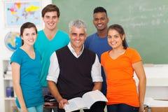 Professeur d'étudiants d'école image libre de droits