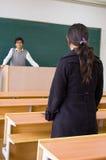 Professeur et étudiant images stock