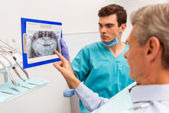 Professioneel tandartsbureau stock afbeelding