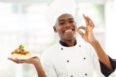 Professionele Afrikaanse chef-kok royalty-vrije stock afbeeldingen