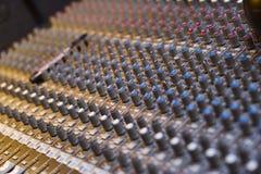 Professionele audio muzikale mixer Royalty-vrije Stock Afbeeldingen