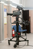 Professionele camera op een driepoot Royalty-vrije Stock Afbeeldingen