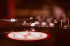 Professionele de muziekspeler van het draaischijf audio vinylverslag Stock Foto's