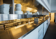 Professionele keuken, meningsteller in staal Stock Foto