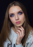 Professionele make-up voor een meisje met blauwe ogen royalty-vrije stock foto's
