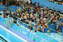 Professionele sportfotografen tijdens Rio 2016 Olympische Spelen bij het Olympische Aquatics-Stadion Royalty-vrije Stock Afbeeldingen