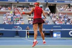 Professionele tennisspeler Angelique Kerber van Duitsland in actie tijdens US Open 2015 derde ronde gelijke Royalty-vrije Stock Foto's