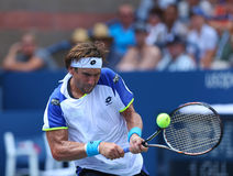 Professionele tennisspeler David Ferrer tijdens derde ronde gelijke bij US Open 2013 tegen Mikhail Kukushkin Stock Foto's