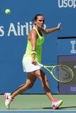 Professionele tennisspeler Roberta Vinci van Italië in actie tijdens haar eerste ronde gelijke bij US Open 2016 Stock Fotografie