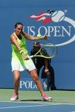 Professionele tennisspeler Roberta Vinci van Italië in actie tijdens haar eerste ronde gelijke bij US Open 2016 Royalty-vrije Stock Afbeeldingen