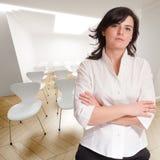 Professionele vrouw in conferentieruimte Royalty-vrije Stock Afbeelding