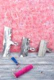 Professionell som reparerar verktyg för den dekorera och byggande renoveringuppsättningen, vägg i bakgrunden rappa hjälpmedel arkivfoton