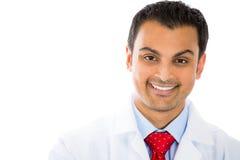 Professionista sorridente di sanità, dentista, medico, farmacista, infermiere, scienziato Fotografia Stock Libera da Diritti