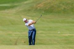 Professionnel Richard Sterne Swinging de golf Image libre de droits