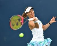 Proffessional kvinnlig tennisspelare Mrtina Hingis Royaltyfria Bilder