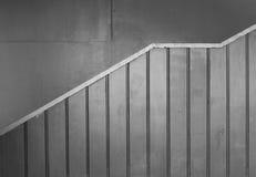 Profielmening van metaal opgeruimde treden in zwart-wit Stock Afbeelding