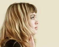 Profil d'une jeune fille Photo stock