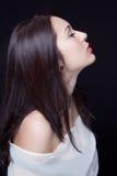 Profil de belle jeune femme sensuelle photos libres de droits