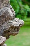 Profil de statue de gardien d'échelon de Phanom, Thaïlande Photographie stock