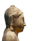 Profil einer alten Buddha-Skulptur auf einem weißen Hintergrund Stockfotografie