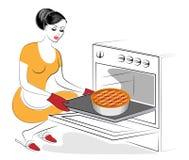 Profil einer sch?nen Dame Das M?dchen bereitet Nahrung zu Backen Sie im Ofen eine festliche Torte mit Beeren Eine Frau ist eine g lizenzfreie abbildung