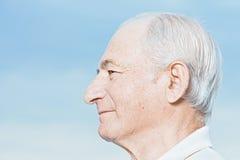 Profil eines älteren Mannes lizenzfreies stockbild