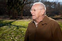 Profil eines alten Mannes Stockfotos