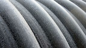 Profil gewundenen polyethene Rohres mit Stahlstreifenverstärkung lizenzfreie stockfotografie